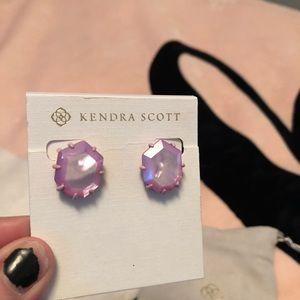 Kendra Scott Iridescent Pink Morgan earnings